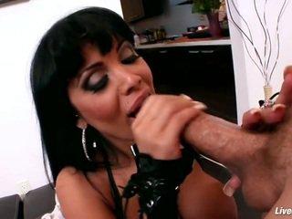 Livegonzo sienna west rondborstig anaal orgasme