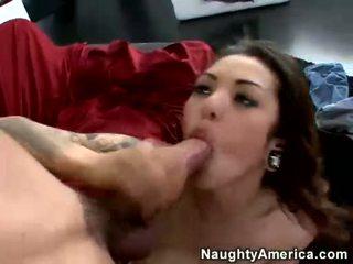 Adrenalynn receives të saj pidh fucked në një maroon fletë ottoman