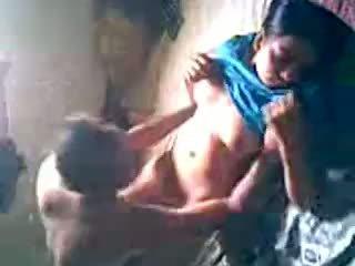 Desi falu lány kap szar által lover rejtett