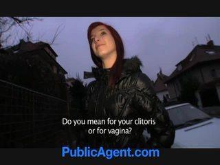 Tjeckiska rödhårig goes hem med den offentlig agent