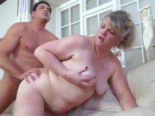 Amateur rijpere aunty gets cuni en hard seks: gratis porno 9c