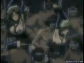 Posh tekenfilm escorte in een kooi geneukt door veel men