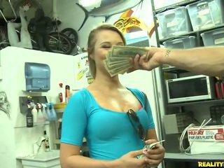 Jmac convinces lindsay į eiti visi the būdas už a pinigai