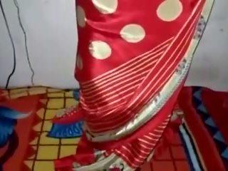 চকচক পোশাক সিল্ক saree কাজের মেয়ে, বিনামূল্যে ইন্ডিয়ান পর্ণ ভিডিও 33