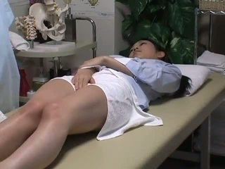 Spycam reluctant vợ has vui vẻ với các masseur