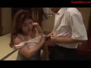 Feit barmfager milf giving blowjob getting henne pupper knullet fitte licked av mann på den gulv i den rom