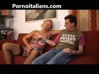 Włoskie szmata fucks mama z syn - mamma italiana troia scopa con figlio italia