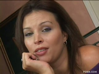 19 year old guy lusts after his stepmom