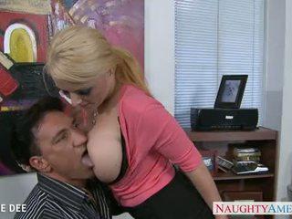 Impressionnant sophie dee baise en la bureau