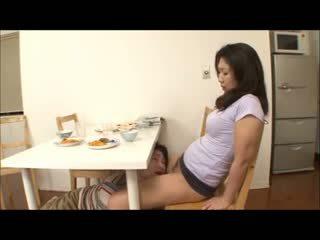 Japonesa passo mãe com não calcinha