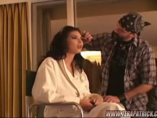 Brunette beauty tera patrick getting klaar backstage