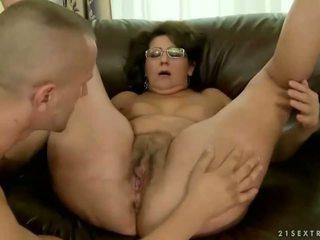 Nenek loves beliau lama boyfriend