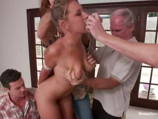 Youngster lizzy london has fodido por maduros lads