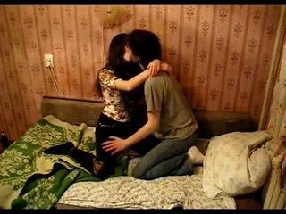 Ázijské pár bozkávanie
