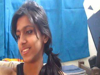 Non-nude 一番ホットな インディアン 学校 女の子 上の ウェブカメラ - desibate*