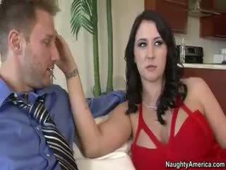 brunete, big boobs