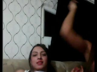 Turki tgirls bermain dengan masing-masing lain di kamera