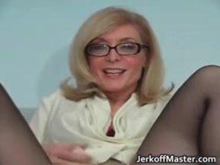 সেক্সি মিলফ nina hartley stripping