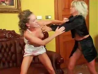 Two جنسي sluts مصارعة