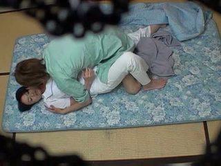 Hotel masseuse used por hotel guest