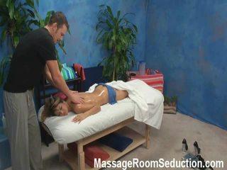 Veronica lured y shaged por su masaje therapist onto oculto camera