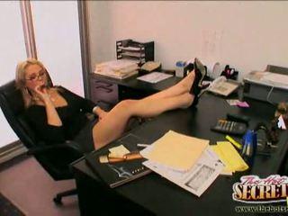 Secretaresse sarah vandella pleasing haar baas