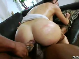 Sultry Isabella Clark gets a double anal