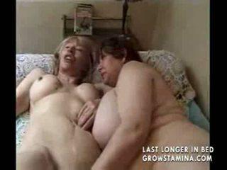 Two grannies un a pieauguša likes a dzimumloceklis