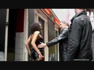 A fekete skinned utcalány