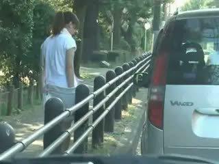 Gadis sekolah menipu dan used dalam kereta
