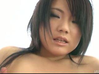 Pohlaví s busty asijské dívka