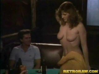Tiga beberapa dengan 2 strippers