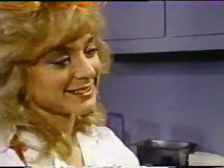 Nina hartley treats रोगी साथ पुसी