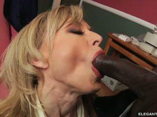 Interracial anala med momen jag skulle vilja knulla nina hartley