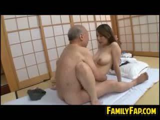 日本, 老+年轻, 物神