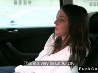 חמוד euroepan שחרחורת סטודנט זיון ב fake taxi