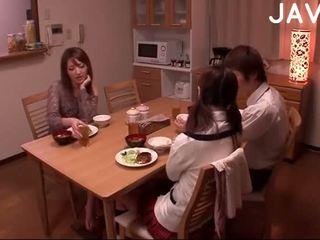 브루 넷의 사람, 일본의, 사정