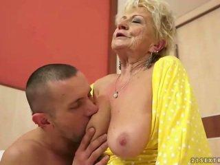 Granny Tóc Rậm
