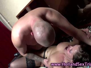 Nederlands babe in kniekousen fucks een bald toerist