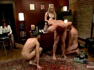 Kantor dame dominasi penyusunan 3 fellows pergi biseksual nearby masing-masing lain