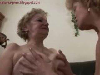 oma, lecken, lesbisch