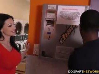 Aletta ocean does anális -ban a laundromat