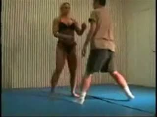Sajaukts cīņa fbb christine fetzer bodybuilder scissors