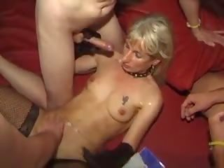 Gangbang bukkake spermas šķīdums facials cumshots swallowing: porno 8e