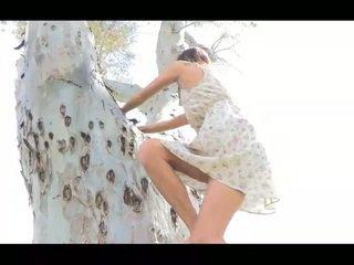 Jody publisks nudity shes a garas skaistas un ļoti
