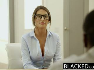 Blacked august ames gets an 인종 질내 사정