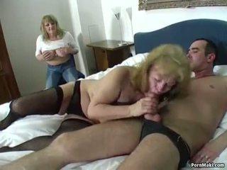 Glücklich guy fucks two erstaunlich omas