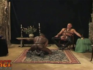 Oraal seks engulfing slaaf