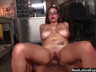 Geil bbw secretaresse betrapt masturberen, porno c6