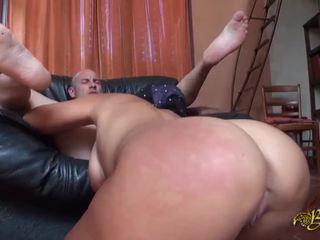 Double vaginales mencurahkan cette orang beurette aux gros seins